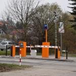 Wjazd/wyjazd od ul. Kamińskiego (przy budynku PET/Hematologii)